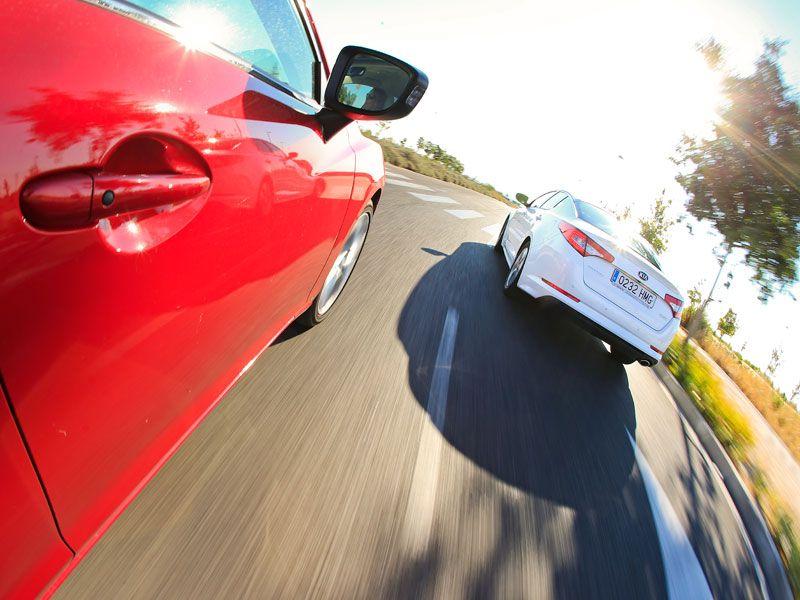Comparativa: Kia Optima Hybrid vs Mazda 6 2.2 Skyactiv-D