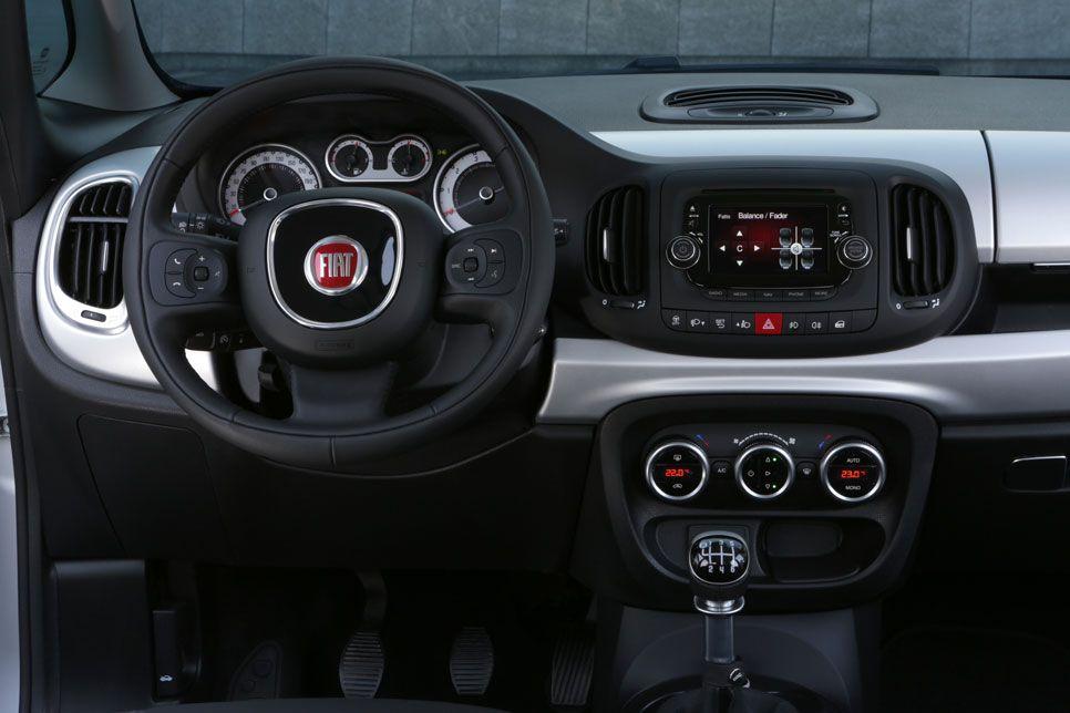 Fiat 500L 2014 interior
