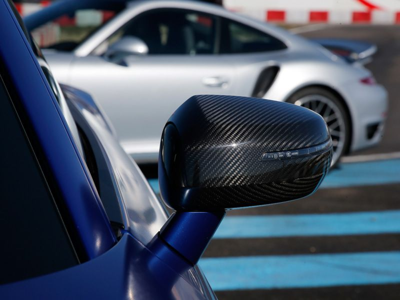 Audi R8 V10 Plus y Porsche 911 Turbo S
