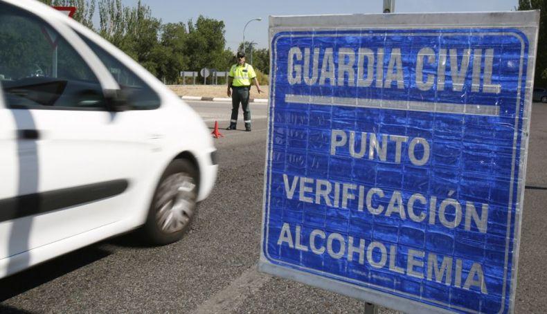 La DGT estudia nuevas multas contra el uso del móvil, el alcohol y las drogas