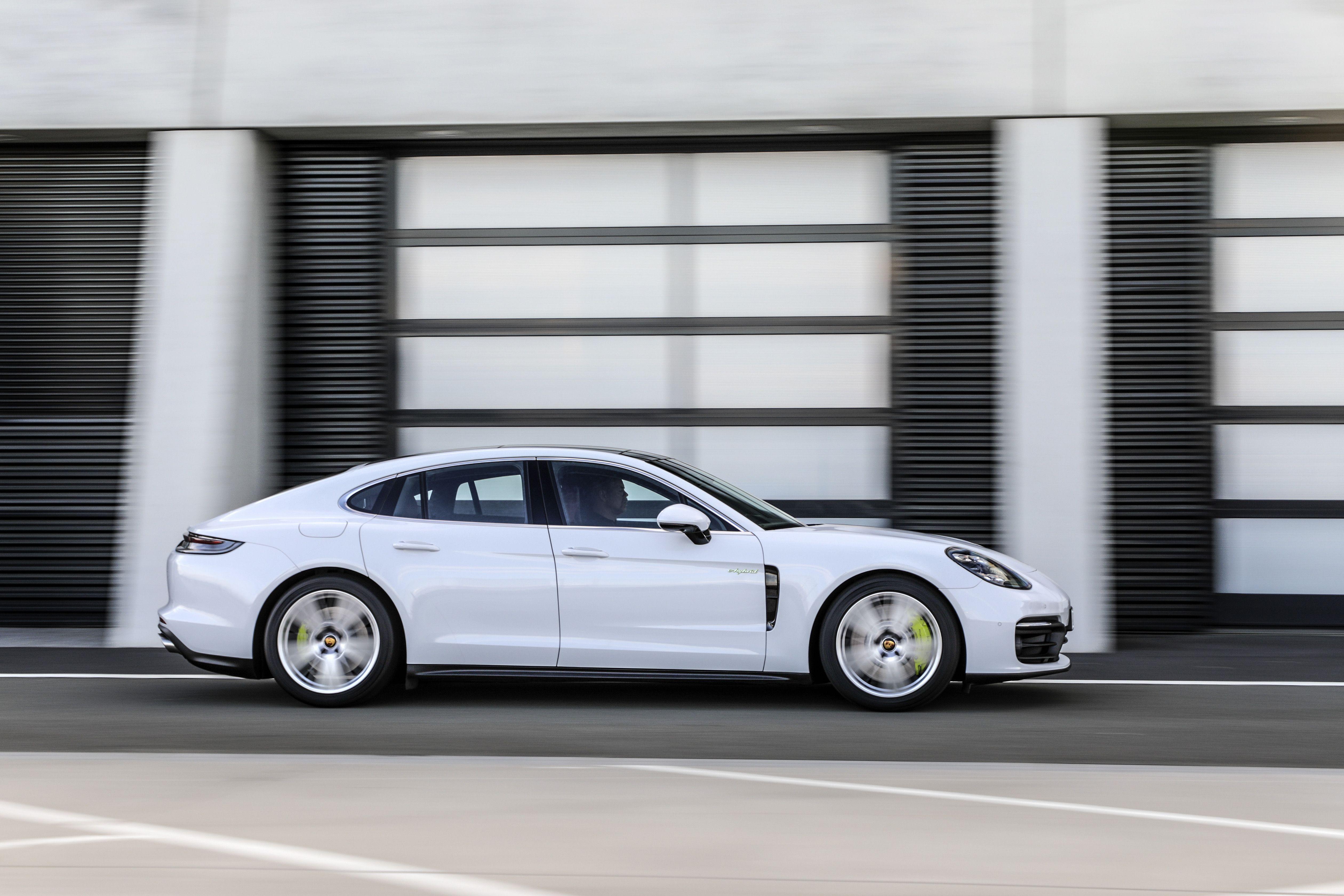 2020 The Porsche Panamera Ratings
