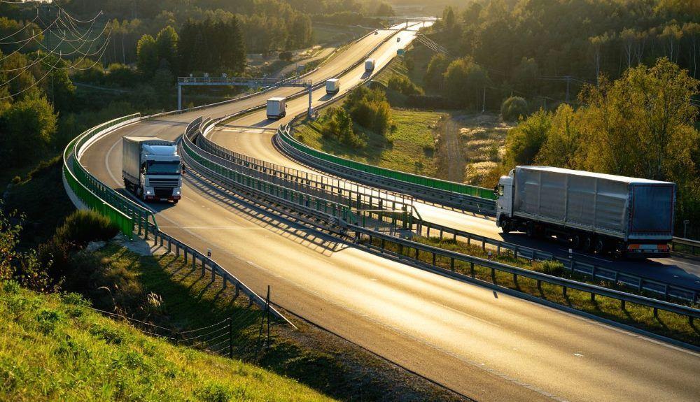 Los camiones cero emisiones tendrán descuento en los peajes en la UE.