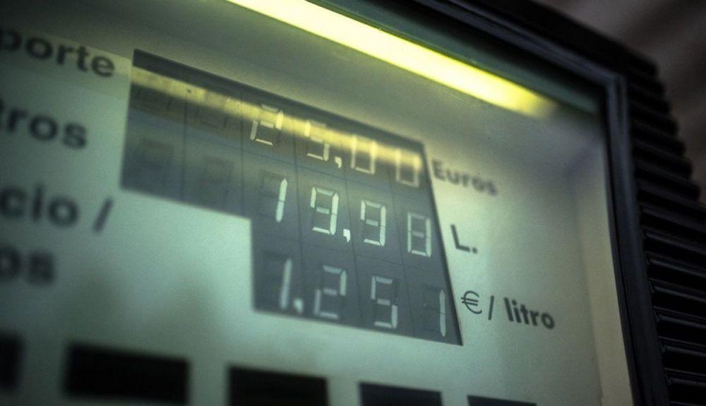 Impuesto al diésel: el Gobierno quiere equiparar el gasóleo a la gasolina, y subirá su precio. Foto: iStock.