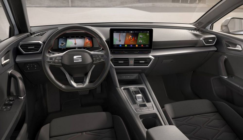 Interior of the new Seat León.
