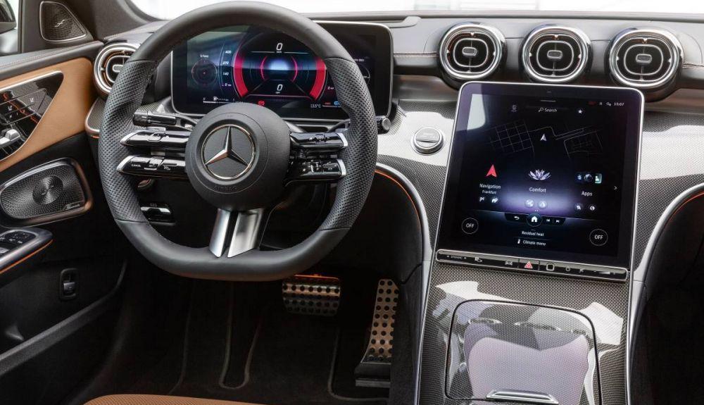Mercedes C-Class 2021 1