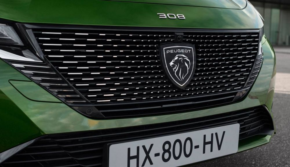 The front of the new 308 SW 2022 will also feature the new lion logo