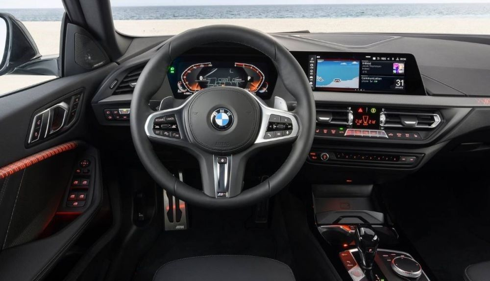 This could be the interior of the BMW 2 Series Coupe 2021