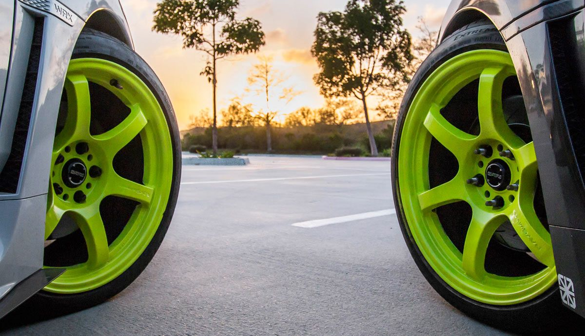 Change the color of your car rims easily and cheaply with Superwrap.