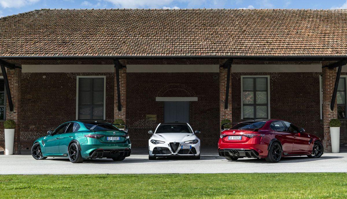 Alfa Romeo Giulia GTA and GTAm.