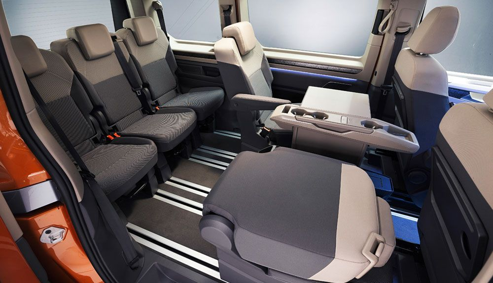 The individual seats of the seats expand its versatility