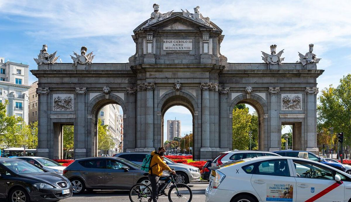 Madrid will give aid of up to 8,500 euros for the purchase of less polluting cars