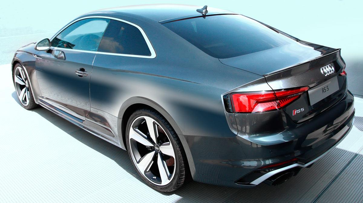 Audi RS5 Coupé con neumáticos Hankook