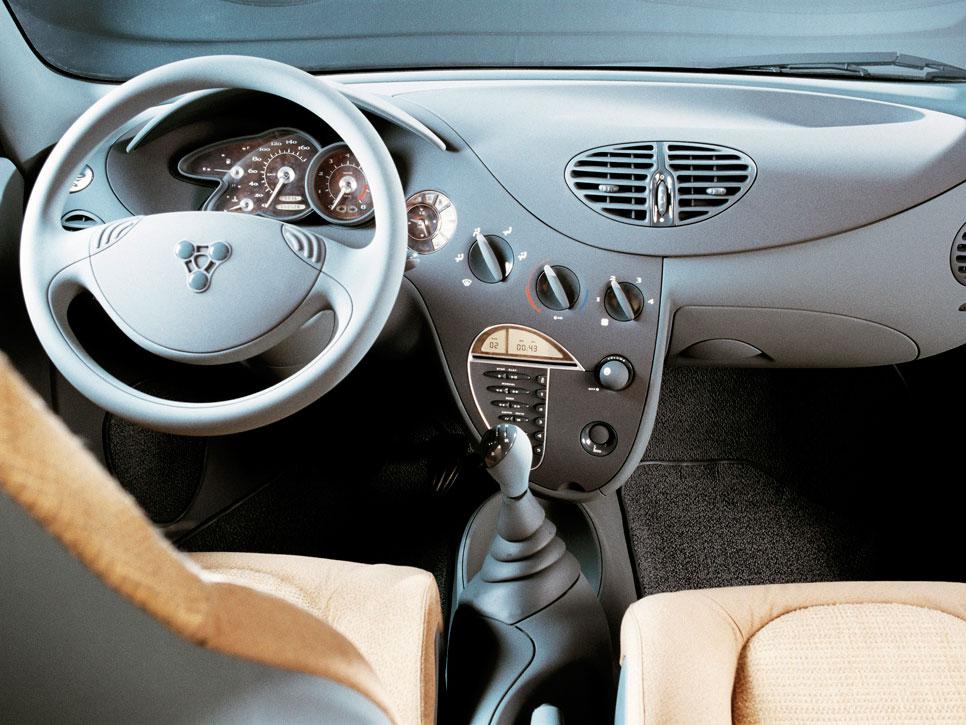 Porsche utilitario interior