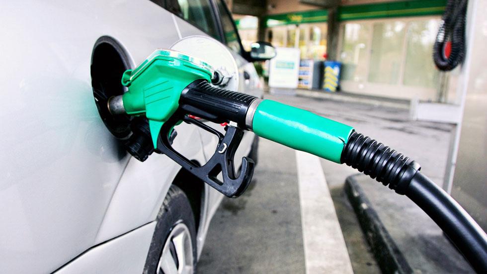 La gasolina, en su precio más bajo del verano