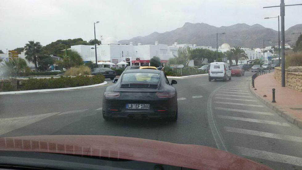 El actualizado Porsche 911, cazado en Almería