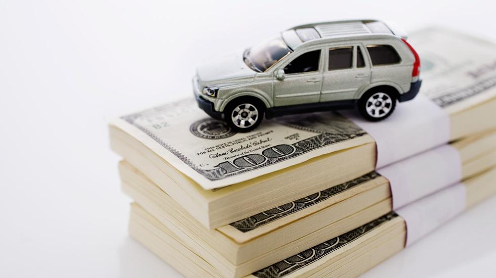 ¿Cómo gastamos los españoles nuestro dinero en el coche?