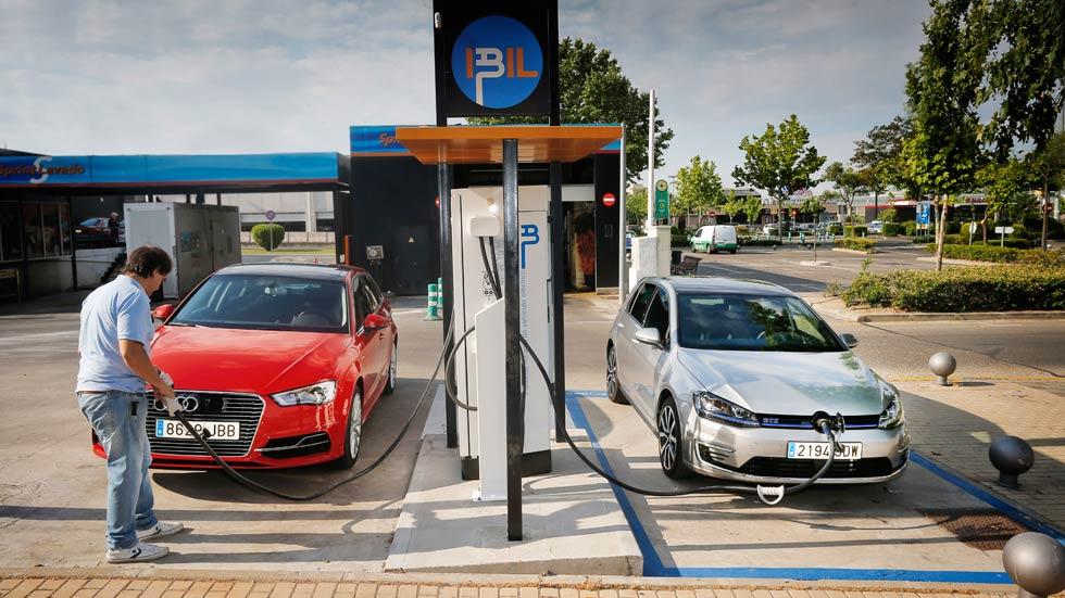 Comparativa: Audi A3 Sportback e-tron contra VW Golf GTE