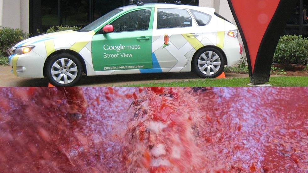 Un coche de Google Street View 'sucumbe' en la Tomatina
