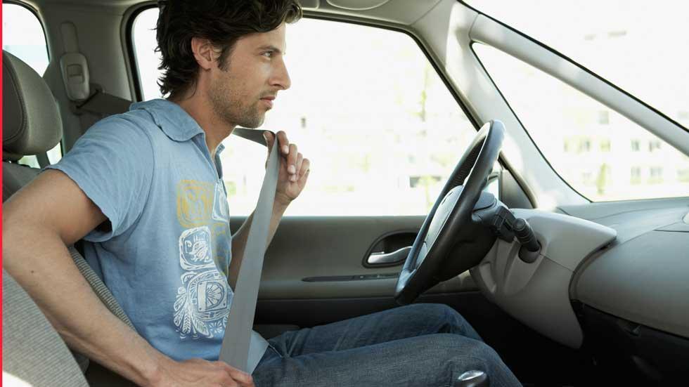 Tráfico pilla a más de 3.000 personas sin cinturón de seguridad