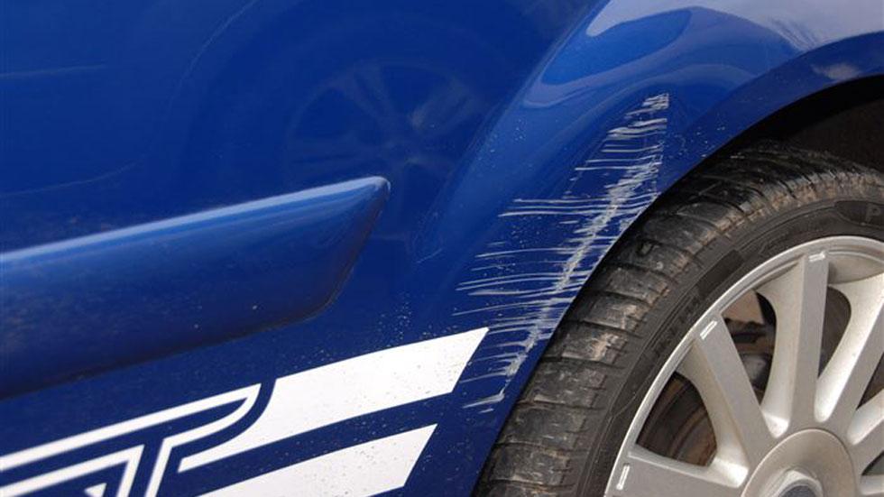 Arañazos en tu coche: así se quitan de manera fácil