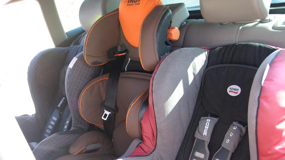 Niños en el coche, 5 dudas que se plantean con la nueva Ley