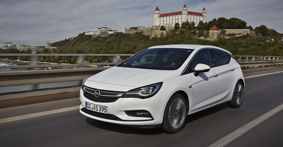 Nuevo Opel Astra 1.6 CDTI: menos de 4 l/100 km y con sistema OnStar