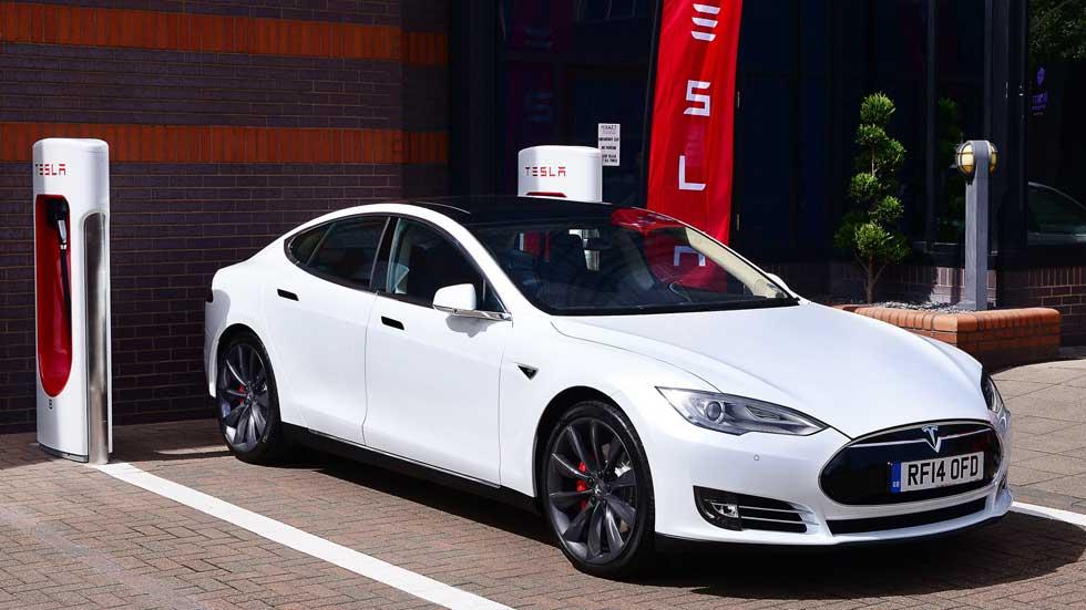 Tesla fabricará coches en Europa