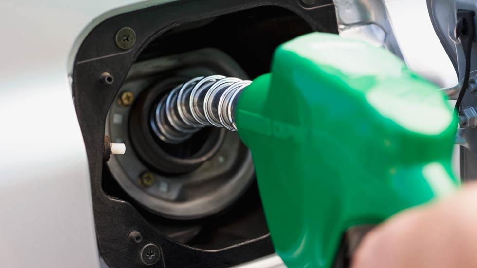 El consumo real de un coche de gasolina supera en un 50% al oficial