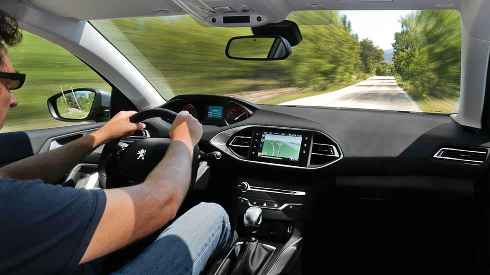 Peugeot i-Cockpit, conduce y siente la carretera