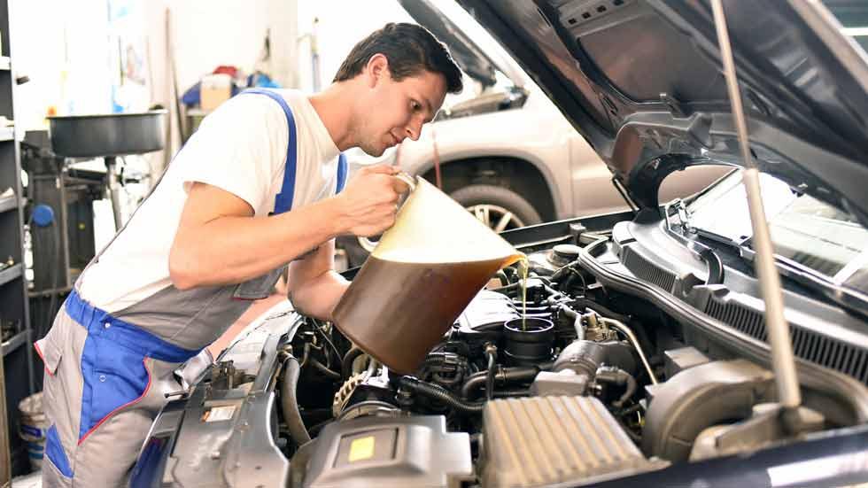 Cómo cambiar el aceite a tu coche, pasos a seguir
