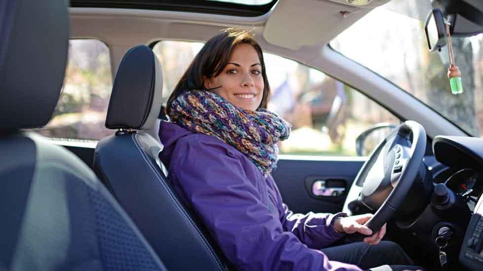 Según los extranjeros, no ponemos el intermitente al conducir