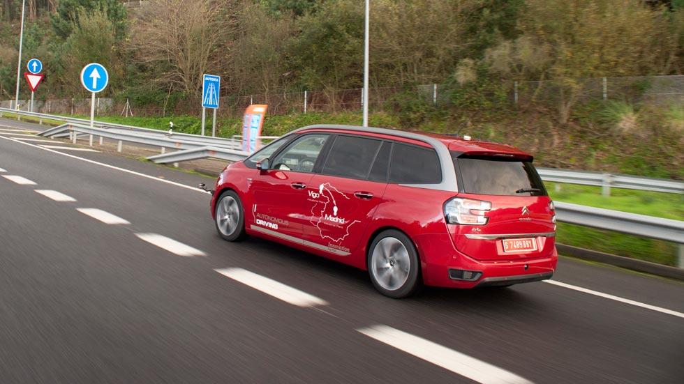 Un coche autónomo recorre por primera vez las carreteras de España