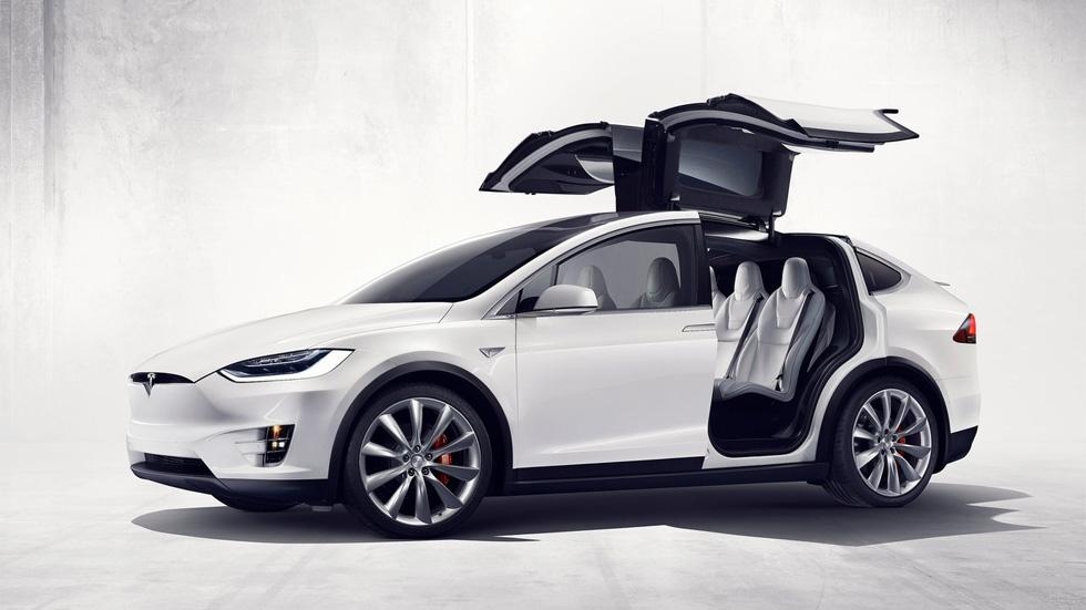 Tesla Model X 70D, la nueva versión de acceso del SUV eléctrico
