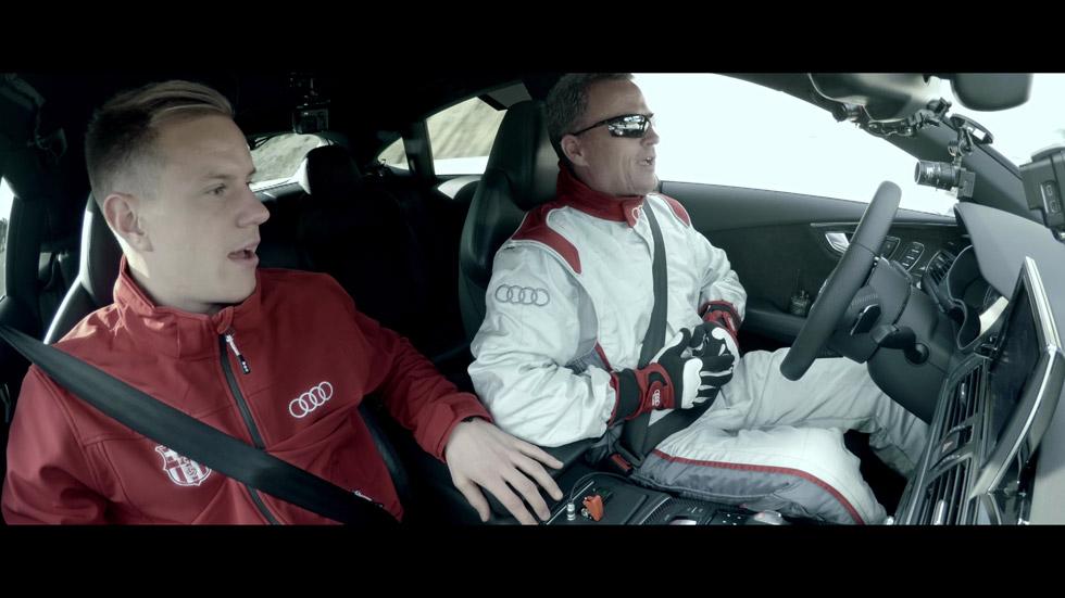 Les piden autógrafos a los jugadores del Barça a 240 km/h con un Audi (vídeo)