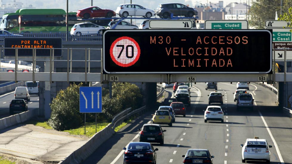 Debate velocidad: ¿se contamina menos a 70 km/h que a 90 km/h?
