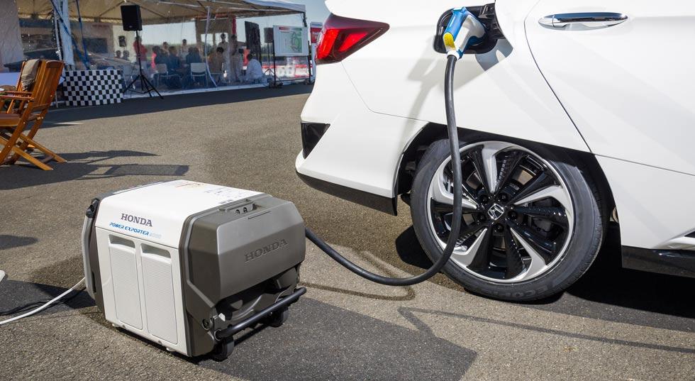 """El Honda Clarity de hidrógeno se hace """"coche solar"""""""