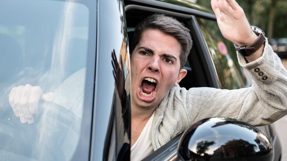Ser agresivo al volante es contagioso