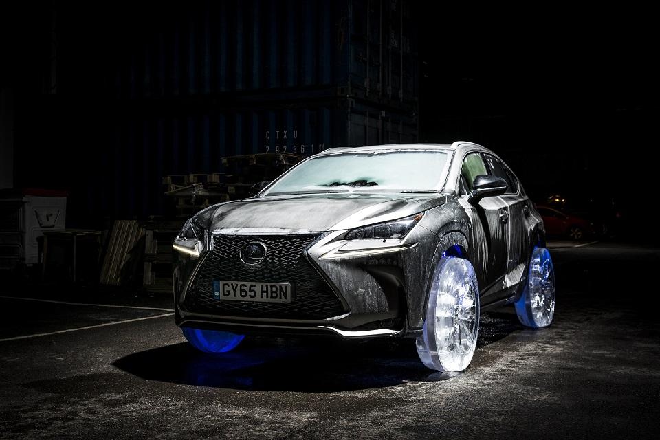 Lexus RX con ruedas de hielo