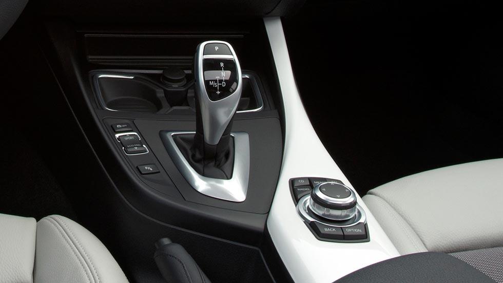 Cómo se usa un cambio automático en un coche