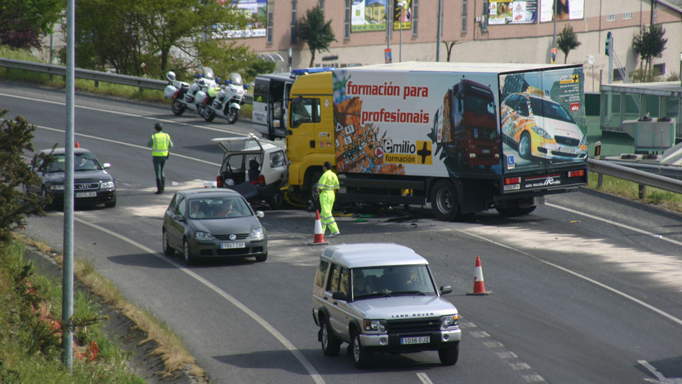 Las carreteras españolas dejan 1.126 muertos en 2015
