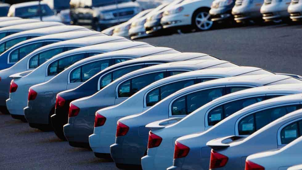 Los precios de los coches nuevos subieron un 3,9 por ciento en 2015
