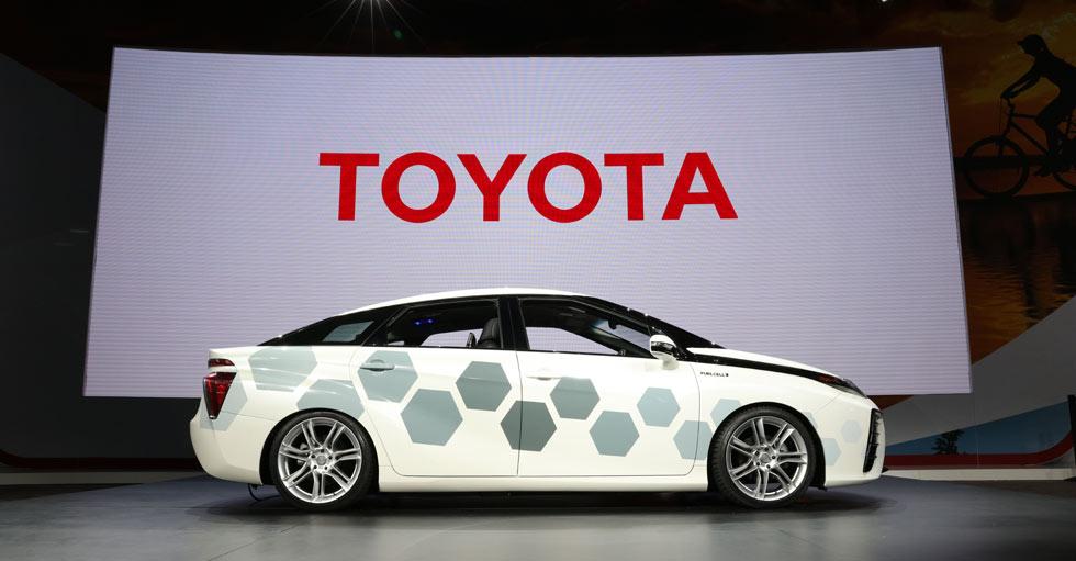 El Toyota Mirai de hidrógeno, con conexión satélite