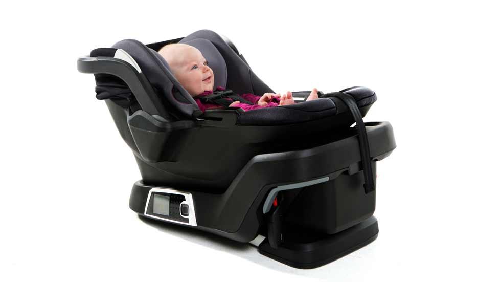 Así es la silla infantil inteligente para el coche