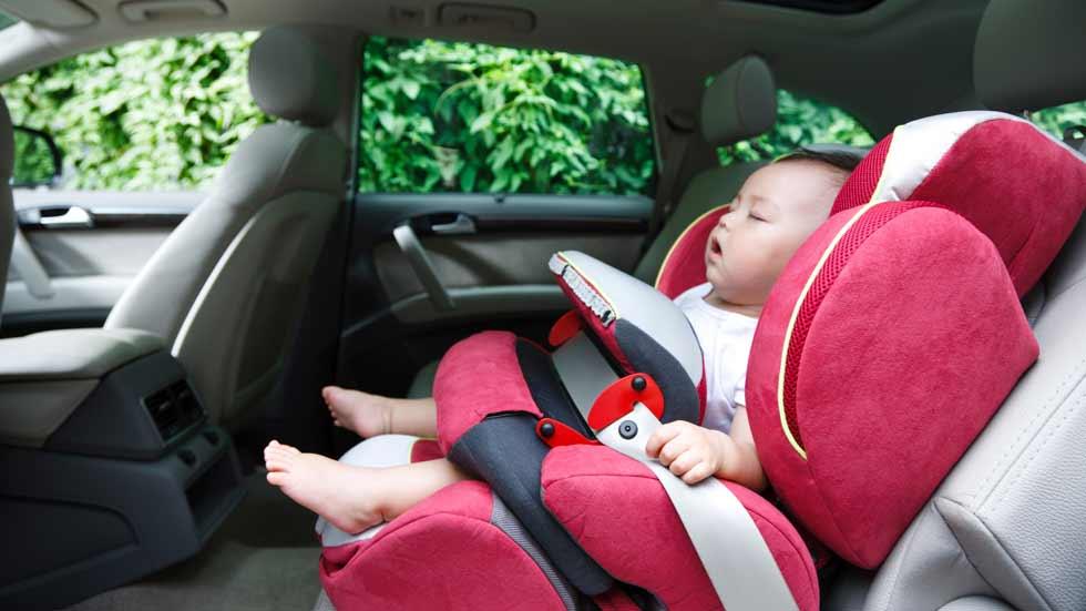 Niños en el coche, 5 momentos de inseguridad en caso de accidente