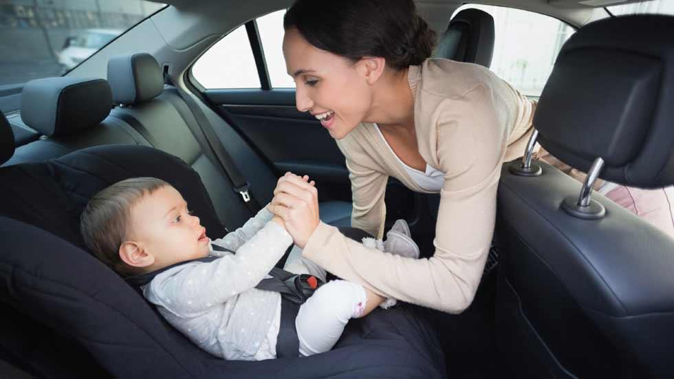 10 consejos para el buen uso de las sillas de coche para for Silla para ninos carro