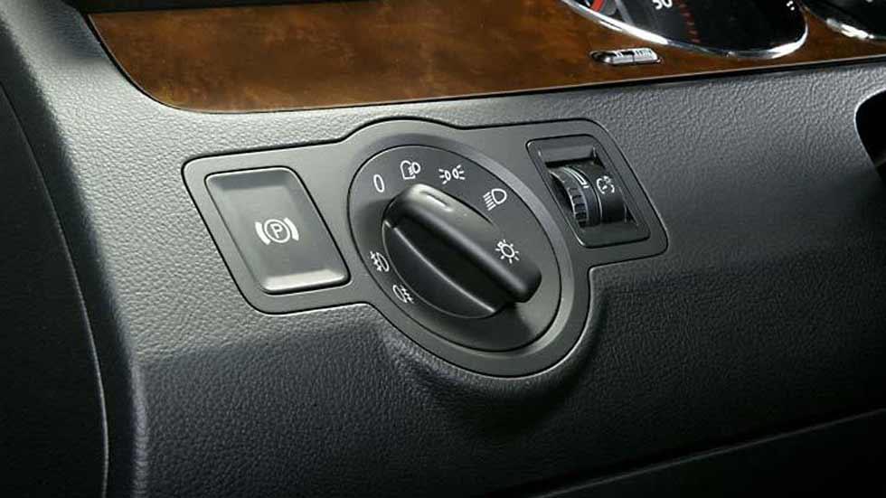 Dudas: consejo sobre compra de coche nuevo con freno de mano eléctrico