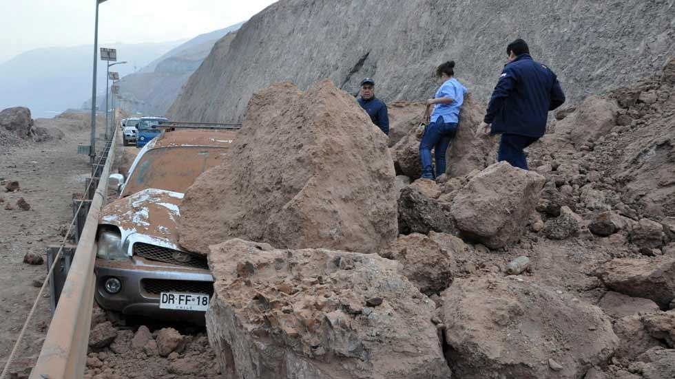 Cómo actuar al volante de un coche si te sorprende un terremoto