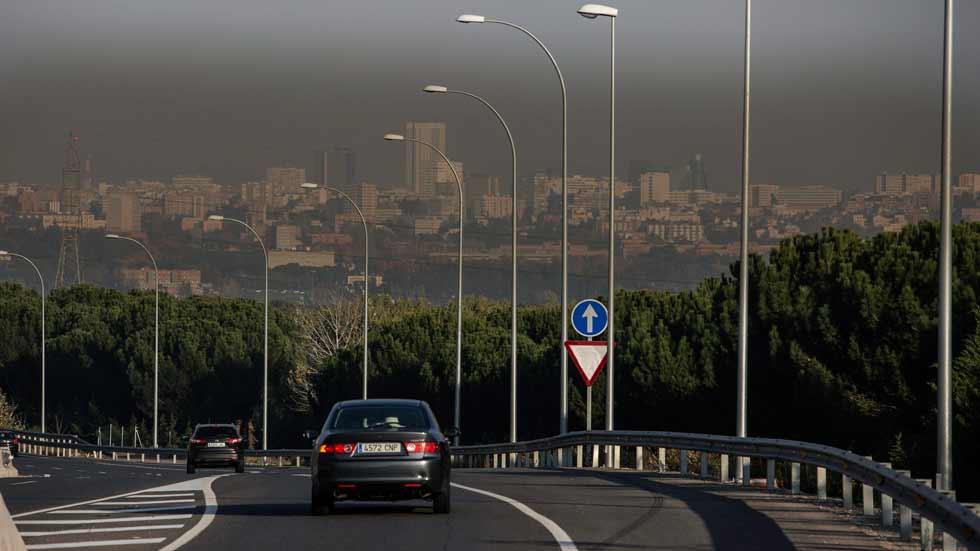 Madrid estudia prohibir la circulación de los coches Diesel en cuatro años
