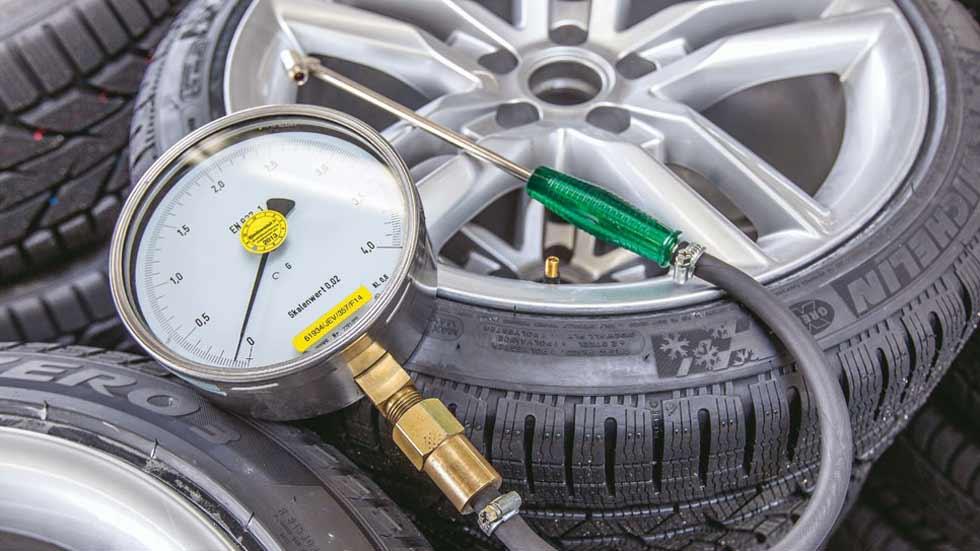 Dudas: ¿tengo que mantener una marca concreta de neumáticos para mi coche?