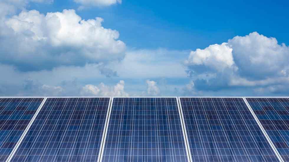 Smartflower POP-e, el sistema con paneles solares para recargar coches eléctricos